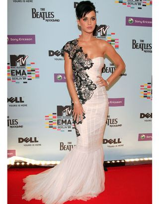 HBZ-Katy-Perry-2009-Europe-Music-Awards-1210-de-7001404